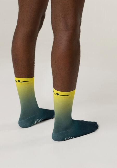 Uglow Grip Socks · Producto Uglow · Calcetines · Kukimbia Shop - Tienda Online Deportiva